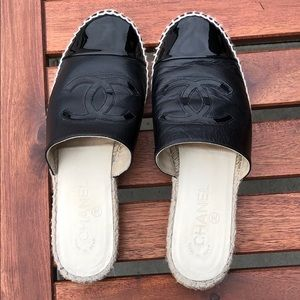 CHANEL authentic espadrille slides.